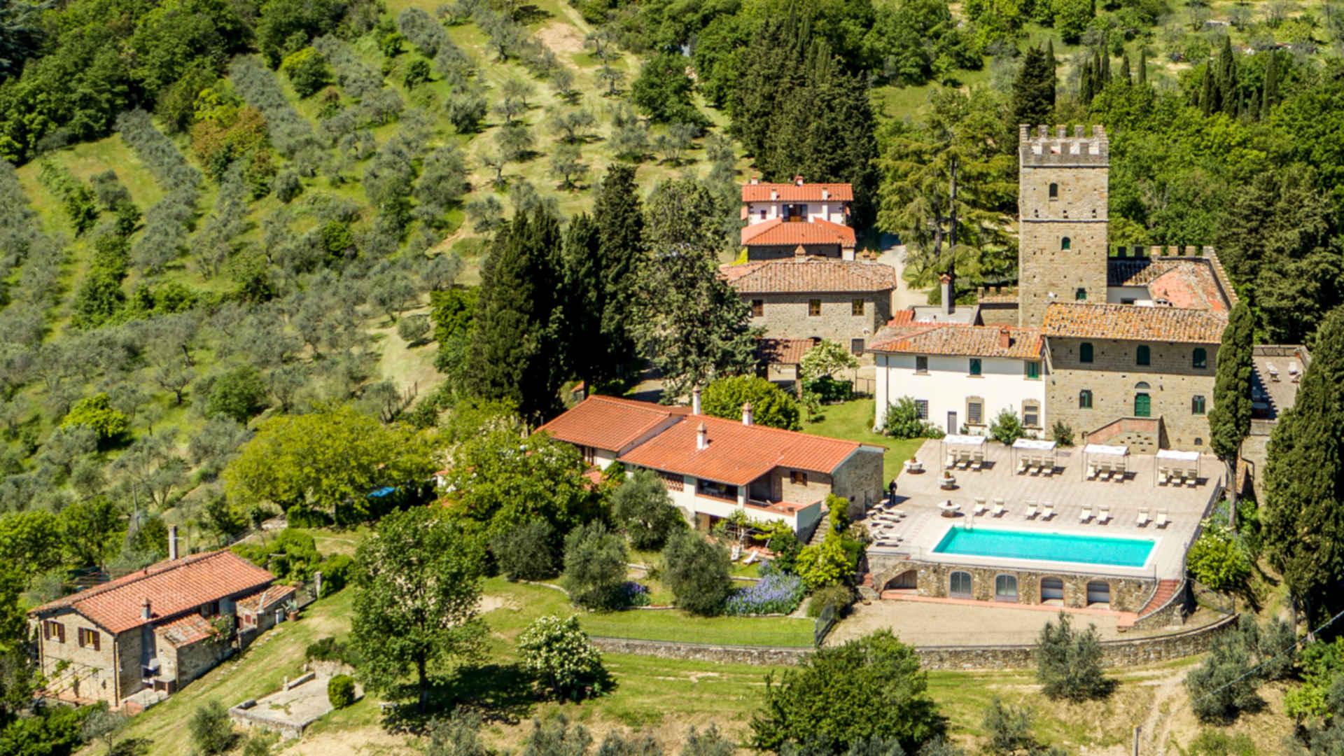 foto aerea Castello di Pratelli
