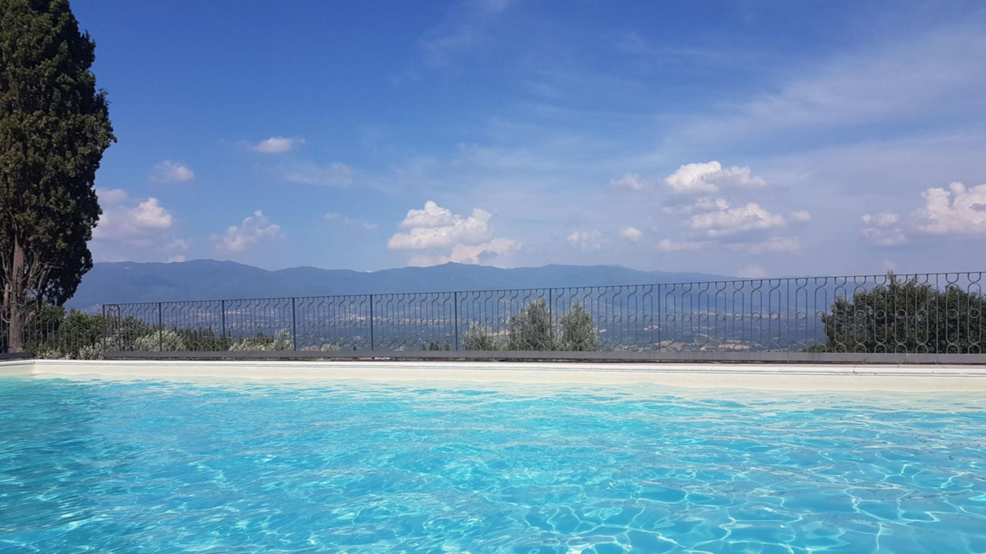foto piscina Castello di Pratelli